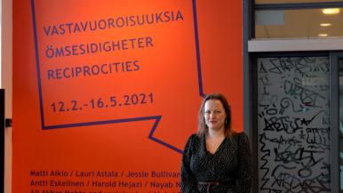 Virtuaalinen vierailu Artsin Vastavuoroisuuksia -näyttelyyn