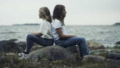 Vivace-kuoro laulaa meren suojelemiseksi