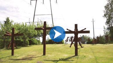 Leonardo da Vilhu tekee taidetta nupit kaakossa - kurkista Sotungin veistospuistoon